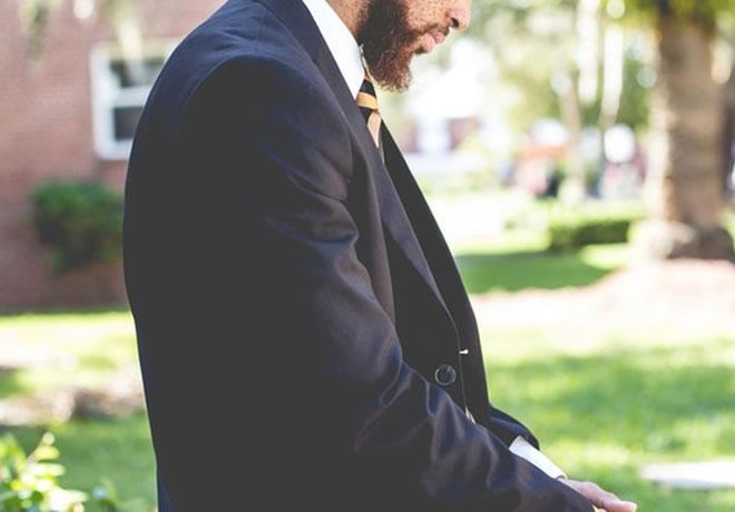 Como se vestir bem para um almoço de negócios, e transmitir uma imagem pessoal forte e adequada 4