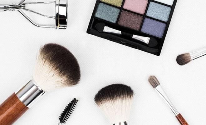Dicas de maquiagem fácil e rápida para o dia a dia - capa