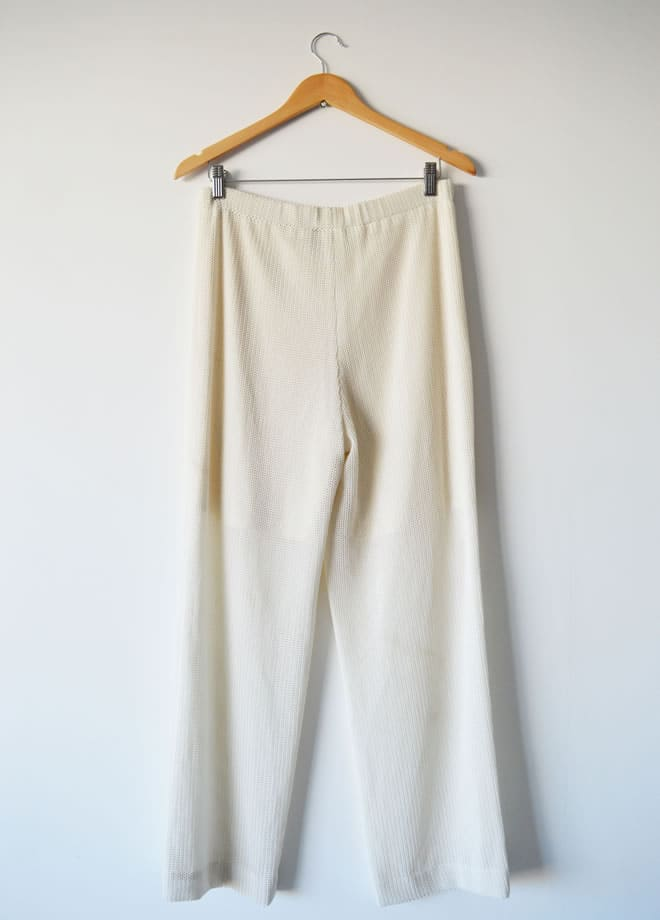 Calça branca – costas
