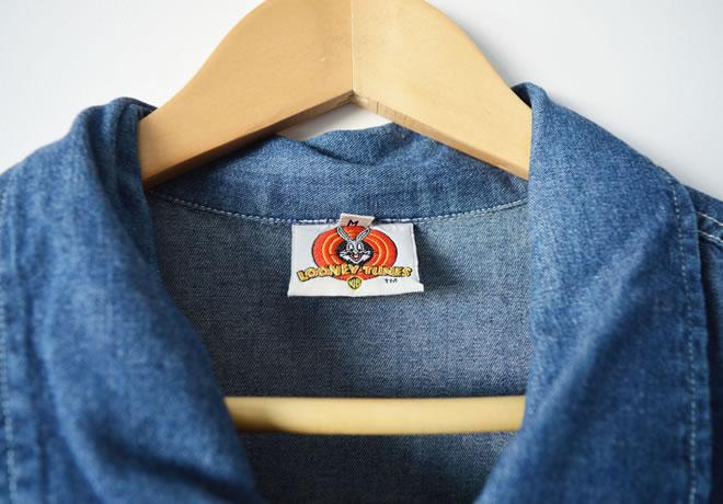 Camisa looney toones – etiqueta