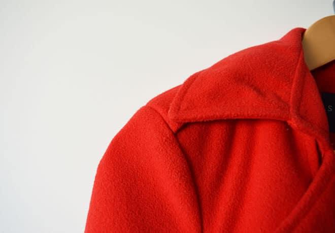 Casaco vermelho – capa