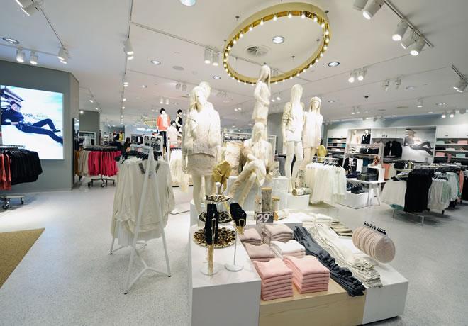 Grandes marcas que fazem coleções para lojas de departamento 2