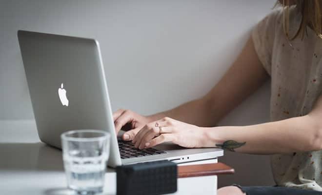 Roupas confortáveis para quem trabalha home office - capa