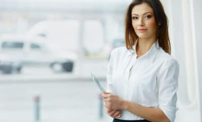 ooks que passam credibilidade em reuniões de negócios, entrevistas e apresentações formais - capa