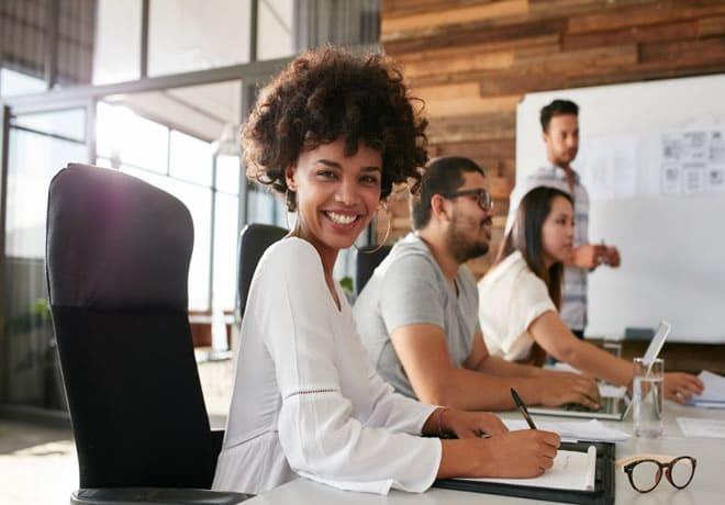 Looks que passam credibilidade em reuniões de negócios, entrevistas e apresentações formais – 1