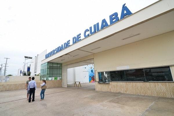 Faculdade de Moda Universidade de Cuiabá
