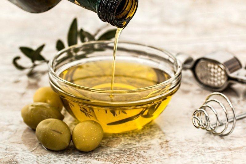 alimentos bons para o cabelo azeite de oliva