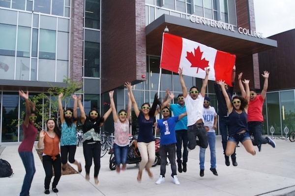 curso de moda no exterior Centennial College Canadá