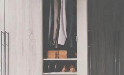 tirar mofo do guarda-roupa
